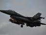 airshow-2013-pierwsze-samoloty-laduja-w-radomiu-1