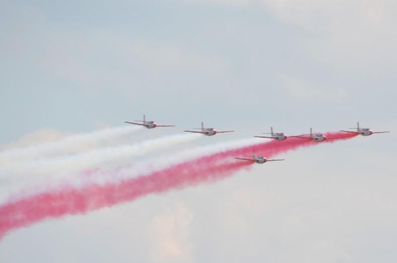 przelot-formacji-grot-airshow-2015